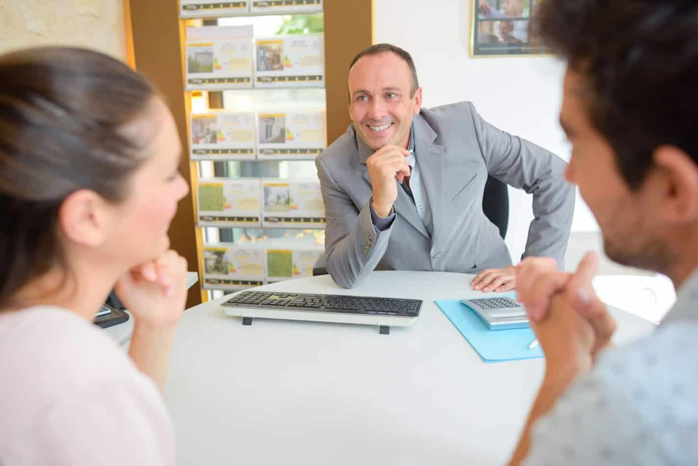 Appointement With The Real Estate Agent